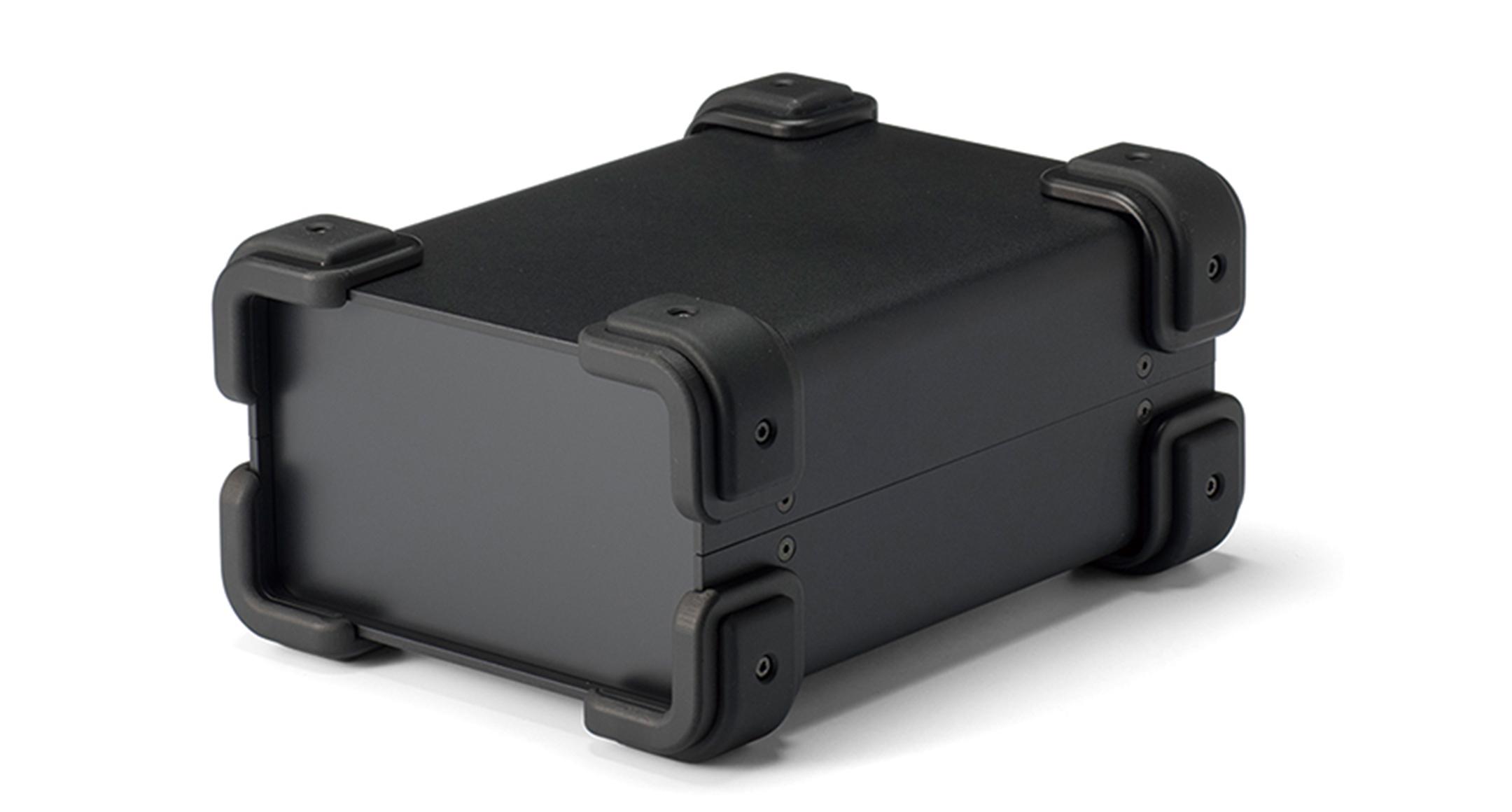 コーナーガード付アルミケース UCGシリーズ:ブラック/ブラックの画像