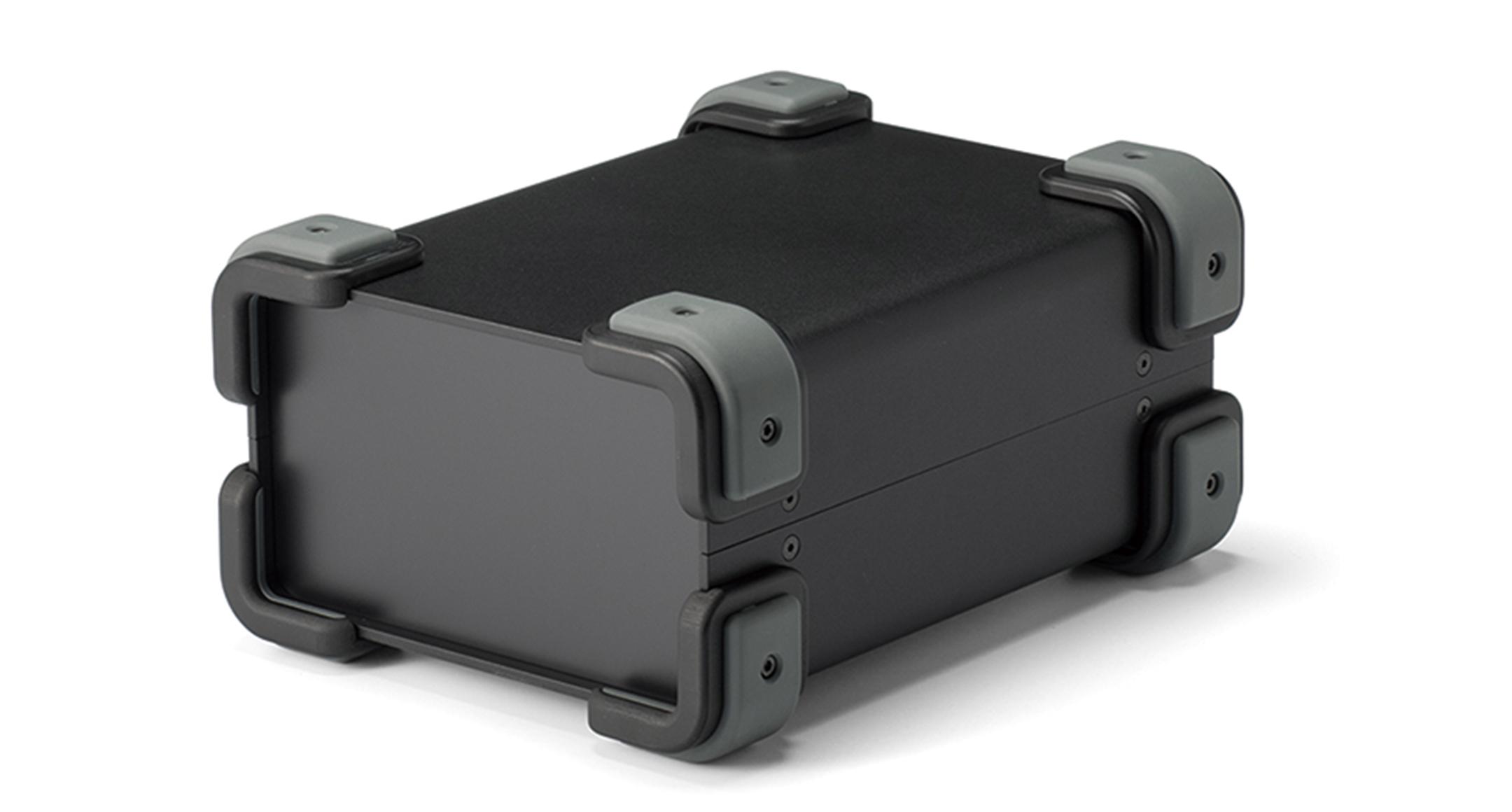 コーナーガード付フリーサイズケース UCGSシリーズ:ブラック/グレーの画像