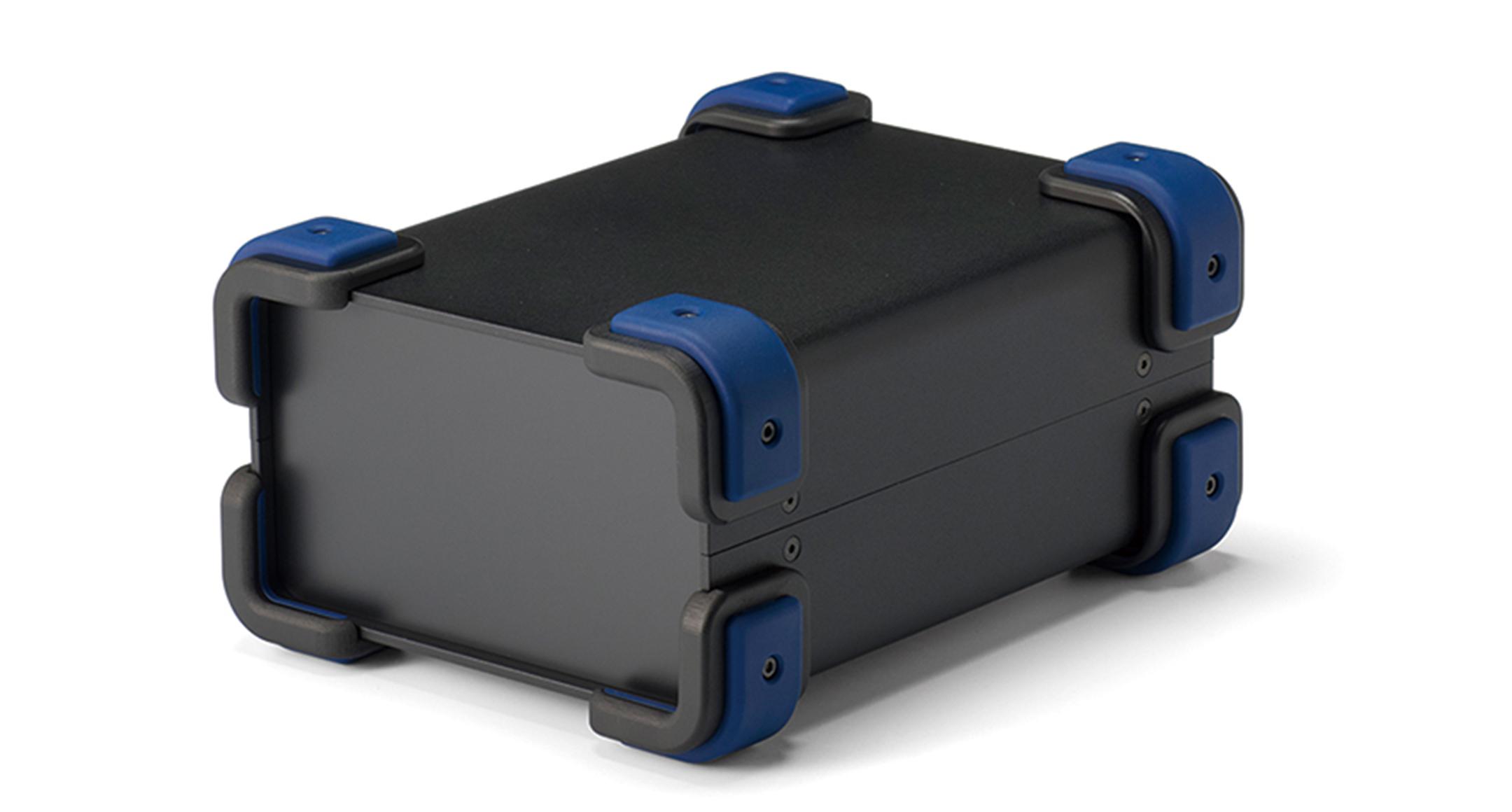 コーナーガード付フリーサイズケース UCGSシリーズ:ブラック/ネイビーの画像