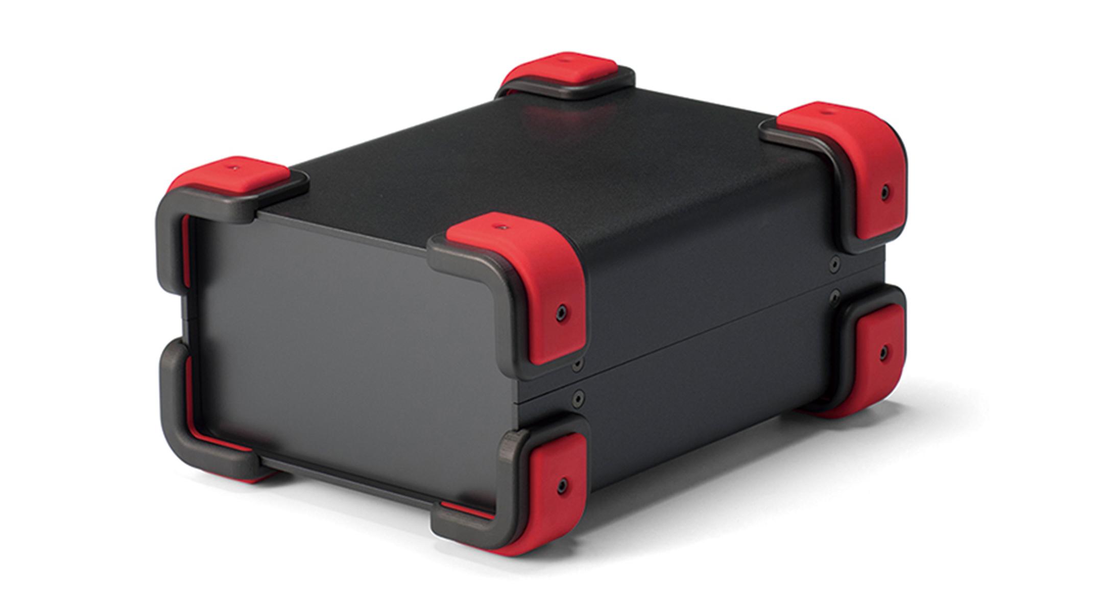 コーナーガード付フリーサイズケース UCGSシリーズ:ブラック/レッドの画像